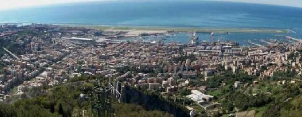 Appartamento in vendita a Genova, Sestri Ponente, 70 mq
