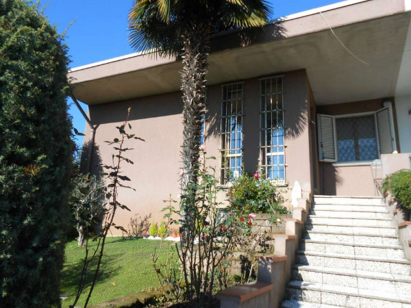 Villa in vendita a Pandino, Residenziale, Con giardino, 350 mq