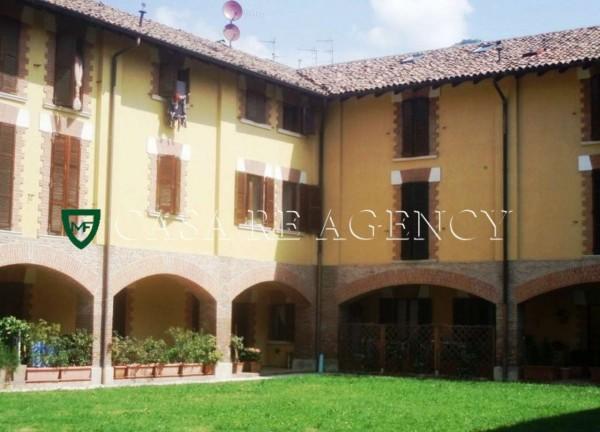 Appartamento in vendita a Induno Olona, Arredato, con giardino, 75 mq