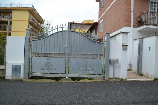 Appartamento in vendita a Roma, Con giardino, 110 mq
