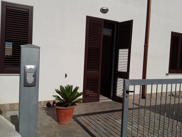 Casa indipendente in vendita a Trapani, Salina Grande, Con giardino, 100 mq - Foto 2