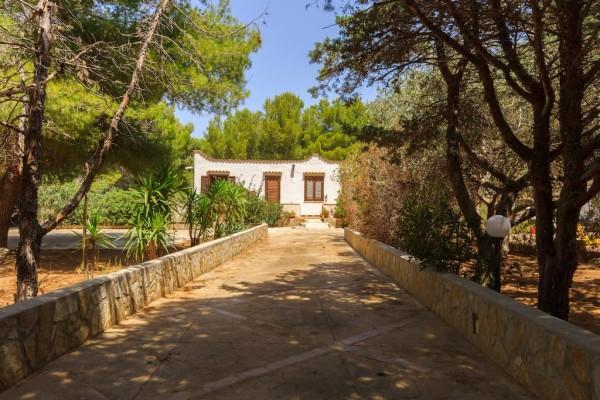 Casa indipendente in vendita a san vito lo capo con for Giardino 100 mq