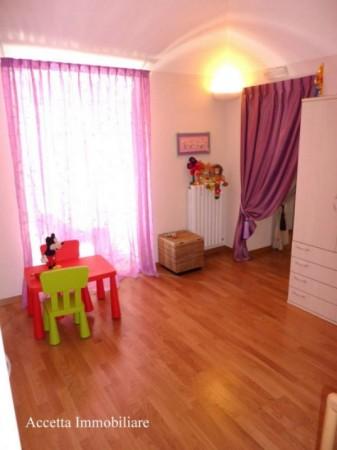 Appartamento in vendita a Taranto, Centrale, Arredato, 108 mq - Foto 5