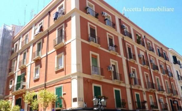 Appartamento in vendita a Taranto, Centrale, Arredato, 108 mq - Foto 3
