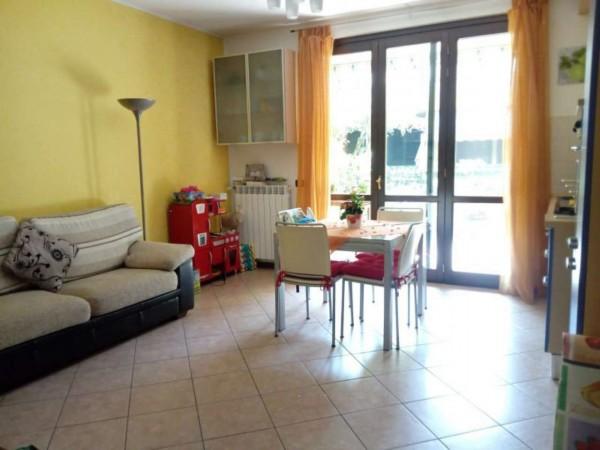 Appartamento in vendita a Cerro Maggiore, Con giardino, 72 mq