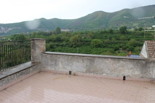 Casa indipendente in vendita a Fisciano, Con giardino, 140 mq - Foto 2