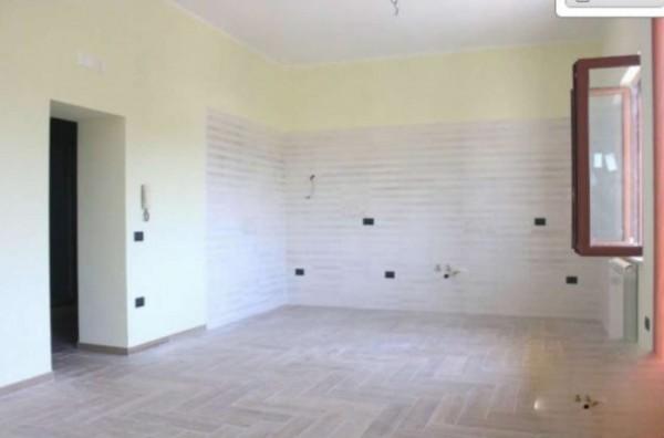 Appartamento in affitto a Pollena Trocchia, 90 mq