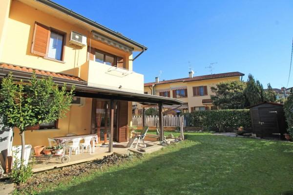 Villa in vendita a Cassano d'Adda, Arckstudio, Con giardino, 204 mq