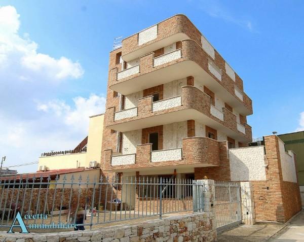 Appartamento in vendita a Taranto, Residenziale, Con giardino, 100 mq - Foto 3