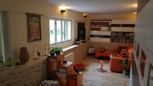 Appartamento in vendita a Carrara, Marina Di Carrara, Con giardino, 110 mq