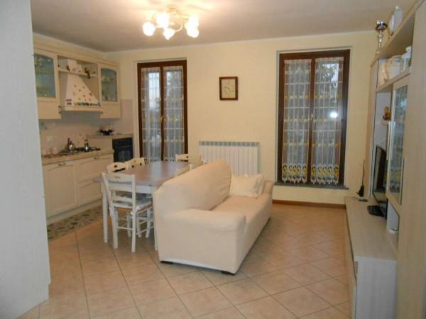 Appartamento in vendita a Spino d'Adda, Residenziale, Con giardino, 93 mq