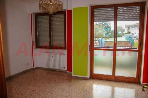 Appartamento in vendita a Alessandria, Villaggio Europa, 80 mq