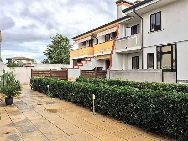 Villetta a schiera in vendita a Chioggia, Con giardino, 100 mq