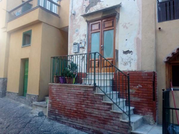Casa indipendente in vendita a Procida, Corricella, 140 mq - Foto 1