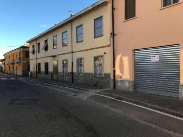 Negozio in affitto a Orbassano, Pressi Centro, 40 mq