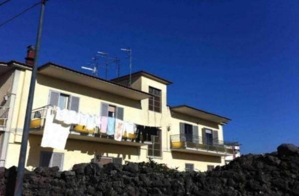 Appartamento in affitto a Pollena Trocchia, 110 mq