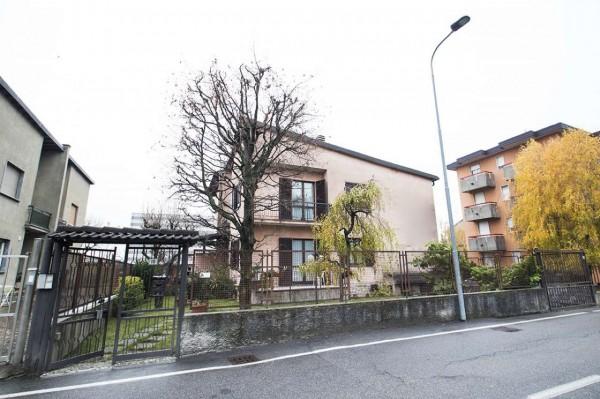 Villa in vendita a Giussano, Birone, Con giardino, 205 mq