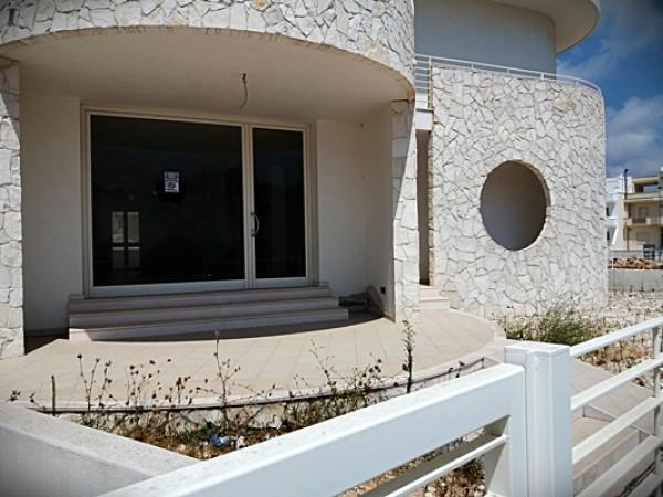 Locale Commerciale  in affitto a Carovigno, Centro, Con giardino, 120 mq - Foto 1