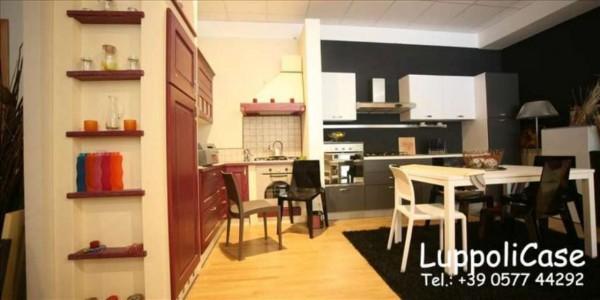 Locale Commerciale  in vendita a Siena, 135 mq - Foto 8