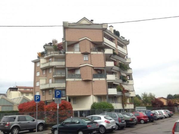 Appartamento in vendita a Gallarate, Arredato, con giardino, 90 mq