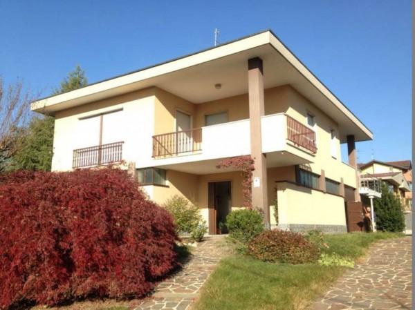 Casa indipendente in vendita a Lonate Pozzolo, Campo Sportivo, Con giardino, 250 mq