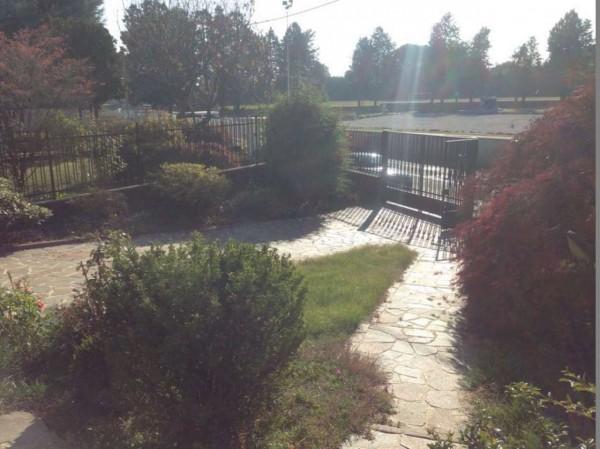 Casa indipendente in vendita a Lonate Pozzolo, Campo Sportivo, Con giardino, 250 mq - Foto 31