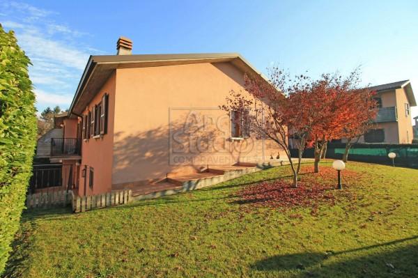 Villa in vendita a Pozzuolo Martesana, Centrale, Con giardino, 175 mq