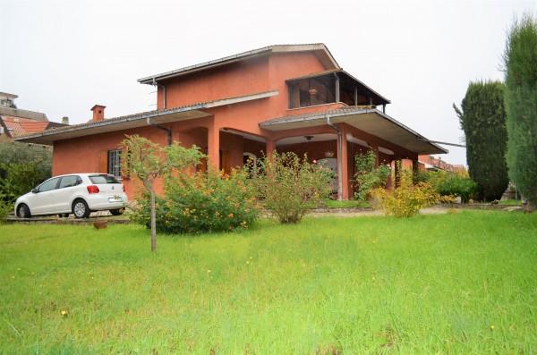 Villa in vendita a Ciampino, Con giardino, 185 mq