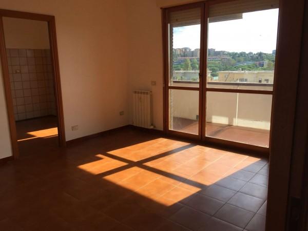 Appartamento in vendita a Roma, Torrino, Con giardino, 60 mq