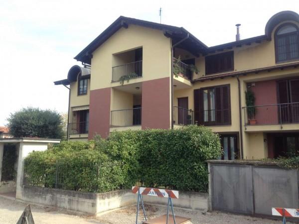 Appartamento in vendita a Gallarate, Arredato, con giardino, 55 mq