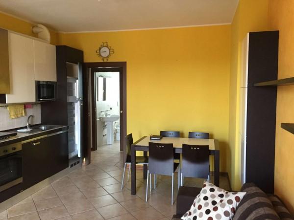 Appartamento in vendita a Varese, Giubbiano, Con giardino, 60 mq