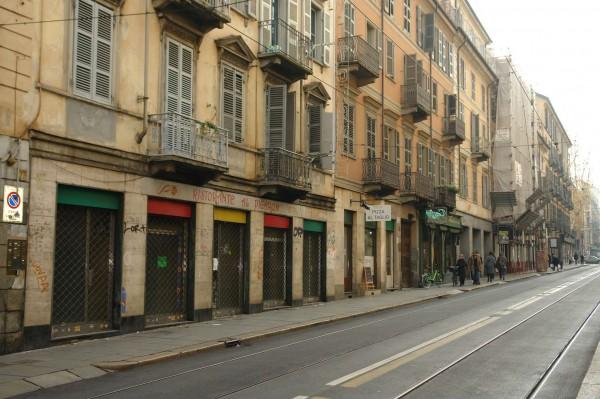 Negozio in affitto a Torino, 240 mq