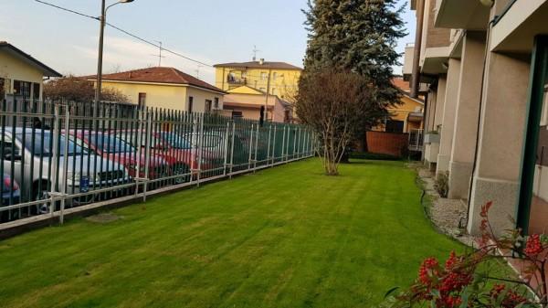 Appartamento in vendita a Muggiò, Semi-centro, Con giardino, 75 mq - Foto 2
