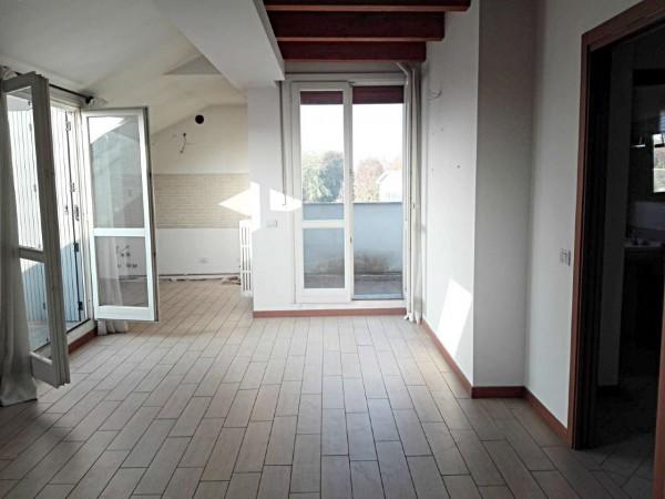 Appartamento in vendita a Vedano al Lambro, Parco, 113 mq