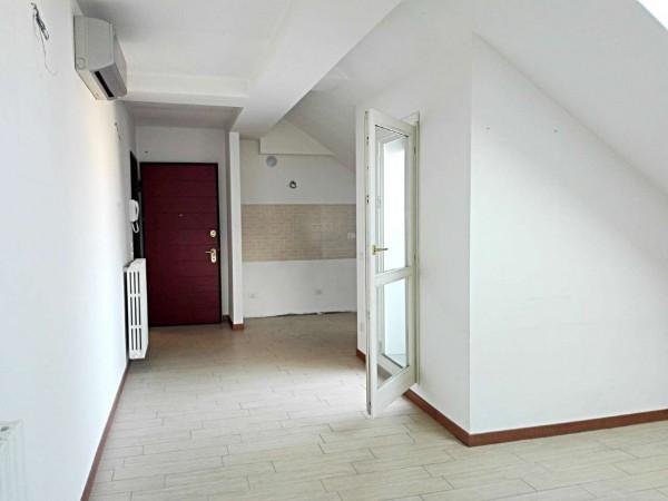 Appartamento in vendita a Vedano al Lambro, Parco, 71 mq