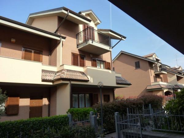 Villetta a schiera in vendita a Venaria Reale, Gallo Praile, Con giardino, 330 mq