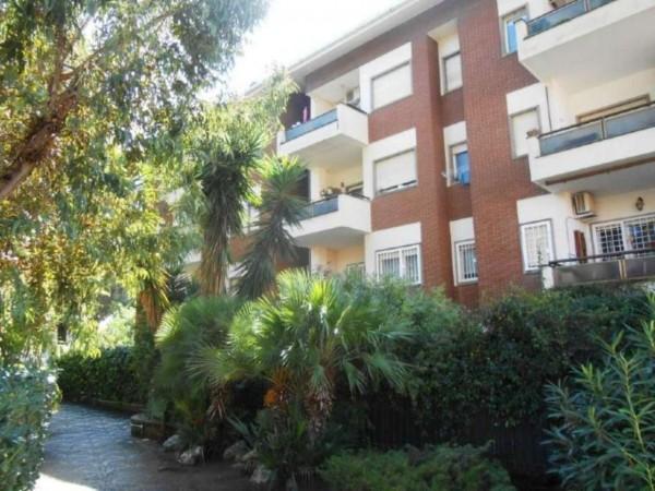 Appartamento in vendita a Roma, Axa, Con giardino, 60 mq