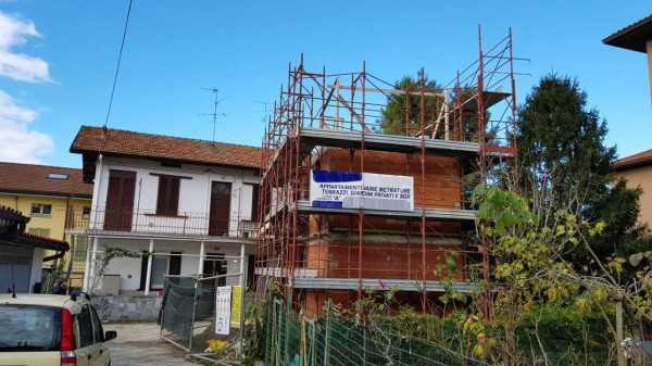 Appartamento in vendita a Besana in Brianza, Centro, 60 mq