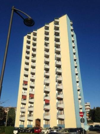 Appartamento in affitto a Busto Arsizio, A Due Passi Dal Centro, Arredato, con giardino, 75 mq
