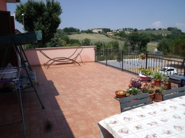 Appartamento in vendita a Spoleto, Centro, Con giardino, 90 mq - Foto 2