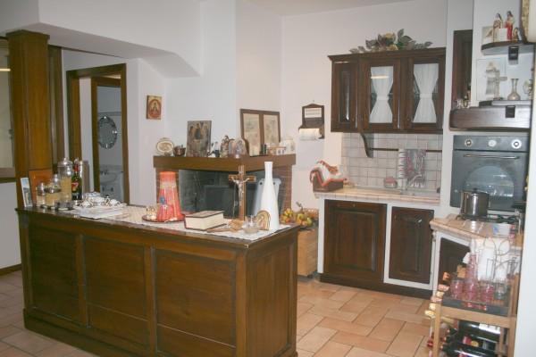 Appartamento in vendita a Spoleto, Via Marconi, Con giardino, 100 mq