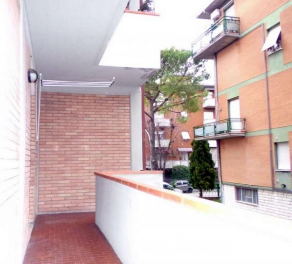 Appartamento in vendita a Forlì, Piscina, Con giardino, 72 mq