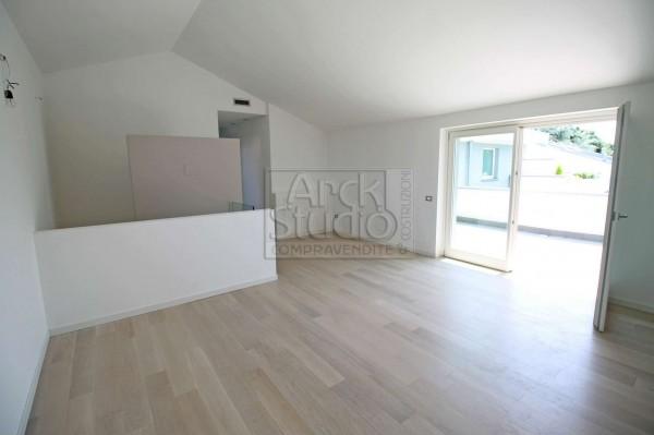 Appartamento in vendita a Treviglio, Casirate, Con giardino, 136 mq