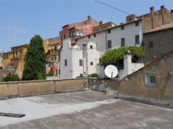 Appartamento in vendita a Tuscania, Con giardino, 91 mq