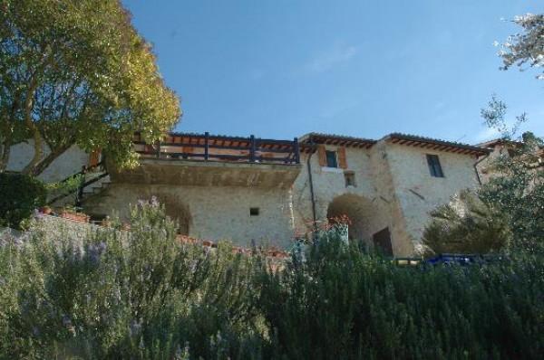 Rustico/Casale in vendita a Trevi, Pigge Di Trevi, Con giardino, 170 mq - Foto 1