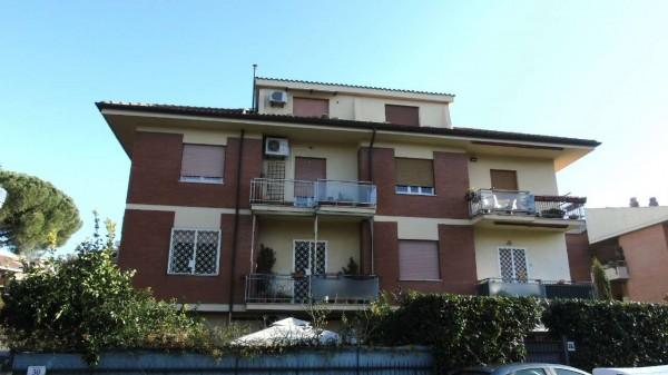 Appartamento in vendita a Roma, Statuario - Appia Nuova, Con giardino, 63 mq