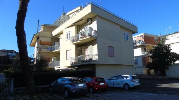 Appartamento in vendita a Roma, Statuario - Appia Nuova, Con giardino, 65 mq