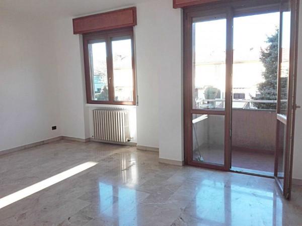 Appartamento in vendita a Verano Brianza, Centro, Con giardino, 125 mq - Foto 3
