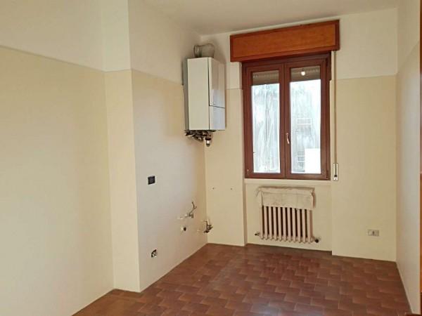 Appartamento in vendita a Verano Brianza, Centro, Con giardino, 125 mq - Foto 2