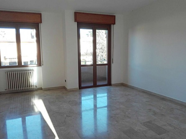 Appartamento in vendita a Verano Brianza, Centro, Con giardino, 125 mq - Foto 4